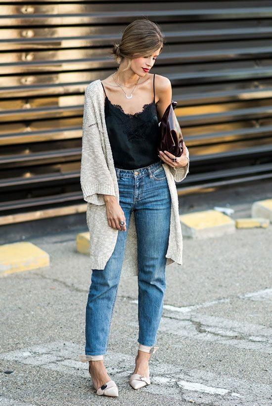 Phối đồ với áo hai dây - quần jeans